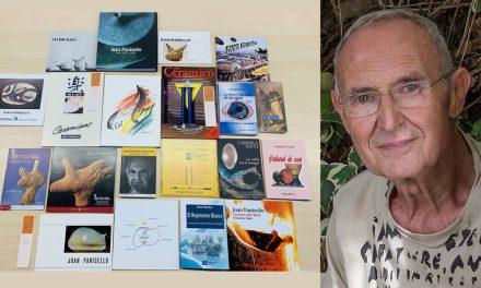 Llibres d'autors romanesos amb imatges d'obres deL ceramista Joan Panisello