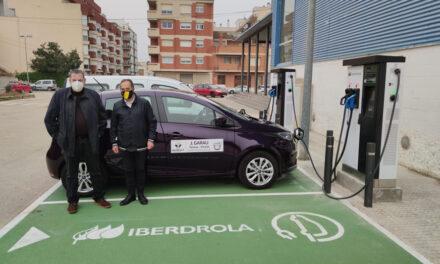 Roquetes estrena la primera estació de recàrrega per a vehicles elèctrics
