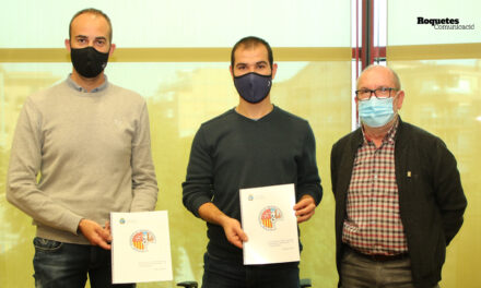 Signatura del conveni 2020 entre l'Ajuntament de Roquetes i el CD Roquetenc